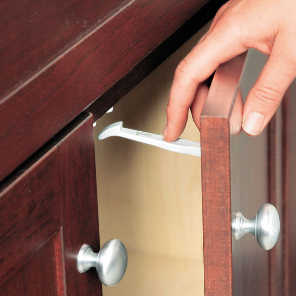 Как закрыть шкаф купе от ребенка своими руками 69